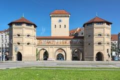 Isartor -那个慕尼黑,德国中世纪城市墙壁的主要门  免版税库存图片