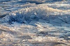 Isbakgrundsslut upp abstrakt istextur Ungern Balaton sjö Arkivfoto