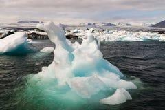 Isberg av den Joekulsarlon fjärden Fotografering för Bildbyråer