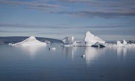 Isberg i Antarktis Arkivfoton