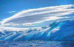 Isberg i Antarktis Arkivbild