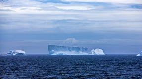 Isberg i Antarktis Landscape-3 Arkivfoton