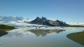 Isberg i glaciär sjön lager videofilmer