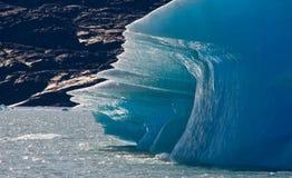 Isberg i vattnet, glaciären Perito Moreno arenaceous Royaltyfria Foton