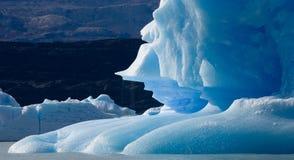 Isberg i vattnet, glaciären Perito Moreno arenaceous Royaltyfri Fotografi