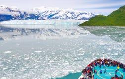 Isberg och glaciärer för Alaska kryssningShip Arkivfoto