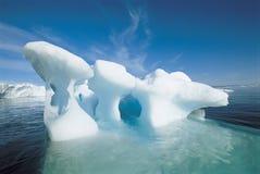 Isberg och vatten Royaltyfria Foton