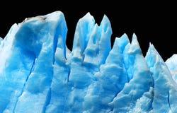Isberg som isoleras på black. Royaltyfri Fotografi