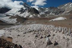 Isbildande på den Aconcagua toppmötet i Sydamerika, Argentina Arkivfoto