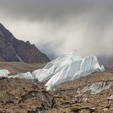 Isbildande på den Baltoro glaciären Arkivfoto