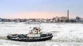 Isbrytareavbrott isen på Donauen Royaltyfria Foton