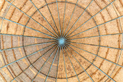 Iscensatt Wood kupol arkivfoto