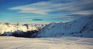 Ischgl奥地利滑雪胜地的全景 免版税图库摄影