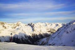 Ischgl奥地利滑雪胜地的全景 免版税库存图片