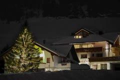 Ischgl,奥地利- 2017年12月28日:Ischgl,奥地利在冬天夜 图库摄影