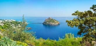 Ischia Eiland, Aragonese-Kasteel of Castello Aragonese, Italië royalty-vrije stock afbeelding