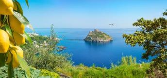 Ischia Eiland, Aragonese-Kasteel of Castello Aragonese, Itali? stock foto