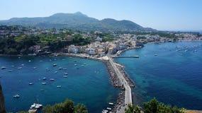 Ischia från den Aragonese slotten Royaltyfri Foto