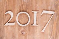Iscrizione di legno 2017 sul bordo di legno Immagini Stock Libere da Diritti