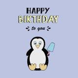 Iscrizione di vettore di buon compleanno, illustrazione del partito con il pinguino del bambino Fotografia Stock
