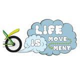 iscrizione La vita è movimento Parole sulla nuvola di polvere Fotografia Stock Libera da Diritti