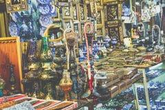 ISFAHAN IRAN, PAŹDZIERNIK, - 06, 2016: Tradycyjni irańczyka rynku półdupki Obraz Royalty Free