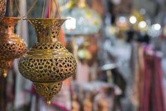 ISFAHAN IRAN, PAŹDZIERNIK, - 06, 2016: Tradycyjni irańczyka rynku półdupki Obrazy Royalty Free