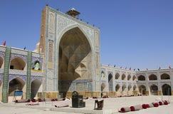 ISFAHAN IRAN - SEPTEMBER 22, 2018: Jameh moské av Isfahan, Iran Lokal för Unesco-världsarv royaltyfri bild