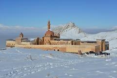 Ishak在多雪的山中的巴夏宫殿 免版税库存图片