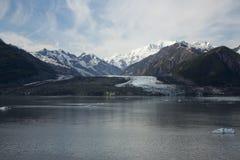 Iskall svårigheter härliga Alaska royaltyfria bilder