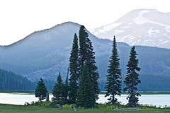 Iskier Jeziorny Oregon Pokojowy Zmierzchu Krajobraz obrazy stock