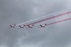 Iskry (άσπρος-και-κόκκινοι σπινθήρες) Στοκ εικόνες με δικαίωμα ελεύθερης χρήσης