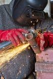 Iskrzy gdy machining spawka koralika na drymbie Zdjęcia Royalty Free