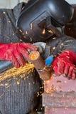 Iskrzy gdy machining spawka koralika na drymbie Fotografia Royalty Free