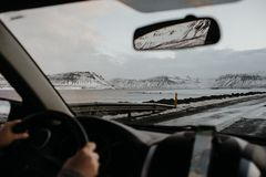 Islândia através de uma janela de carro Foto de Stock Royalty Free