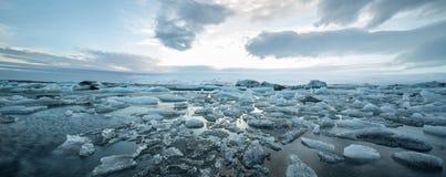 Isländische Landschaft der eisigen Oberfläche Stockfoto