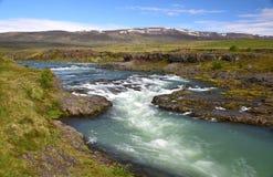 Isländische Landschaft, Fluss Blanda in Island, nahe Blönduos lizenzfreies stockfoto