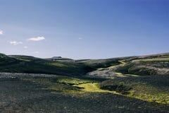 Isländische Landschaft Schöne Berge und vulkanischer Bereich Stockbilder