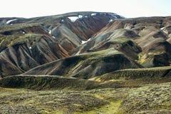 Isländische Landschaft Schöne Berge und vulkanischer Bereich mit Lizenzfreies Stockfoto