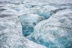 Isländischer Gletscher mit blauem Bruch Lizenzfreie Stockbilder