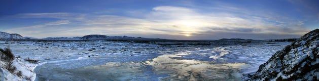 Isländischer Sonnenaufgang lizenzfreies stockfoto