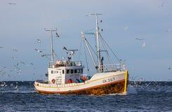 Isländsk fiskebåt Arkivfoton