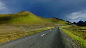 Isländsk huvudväg royaltyfria foton