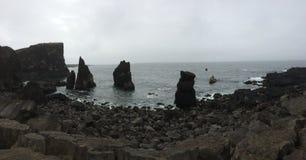 Isländsk kustlinje Royaltyfri Foto