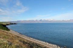 Isländskt kustlandskap. Arkivfoton