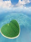 Isla bajo la forma de corazón Fotografía de archivo libre de regalías