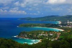 Isla con el cielo azul claro Phuket Foto de archivo libre de regalías