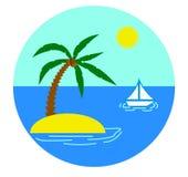 Isla con la palma y el yate en el mar Fotografía de archivo