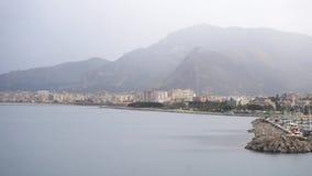 Isla de Capri en un día de verano hermoso en Italia existencias Vista de la bahía en Italia almacen de metraje de vídeo