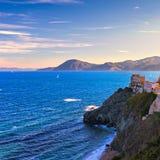 Isla de Elba, opinión del acantilado de Portoferraio y edificios viejos Toscana, Imágenes de archivo libres de regalías